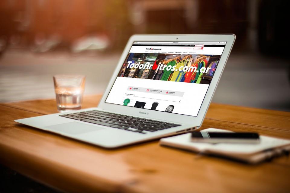 Tienda online o Mercadolibre? Que es mejor?